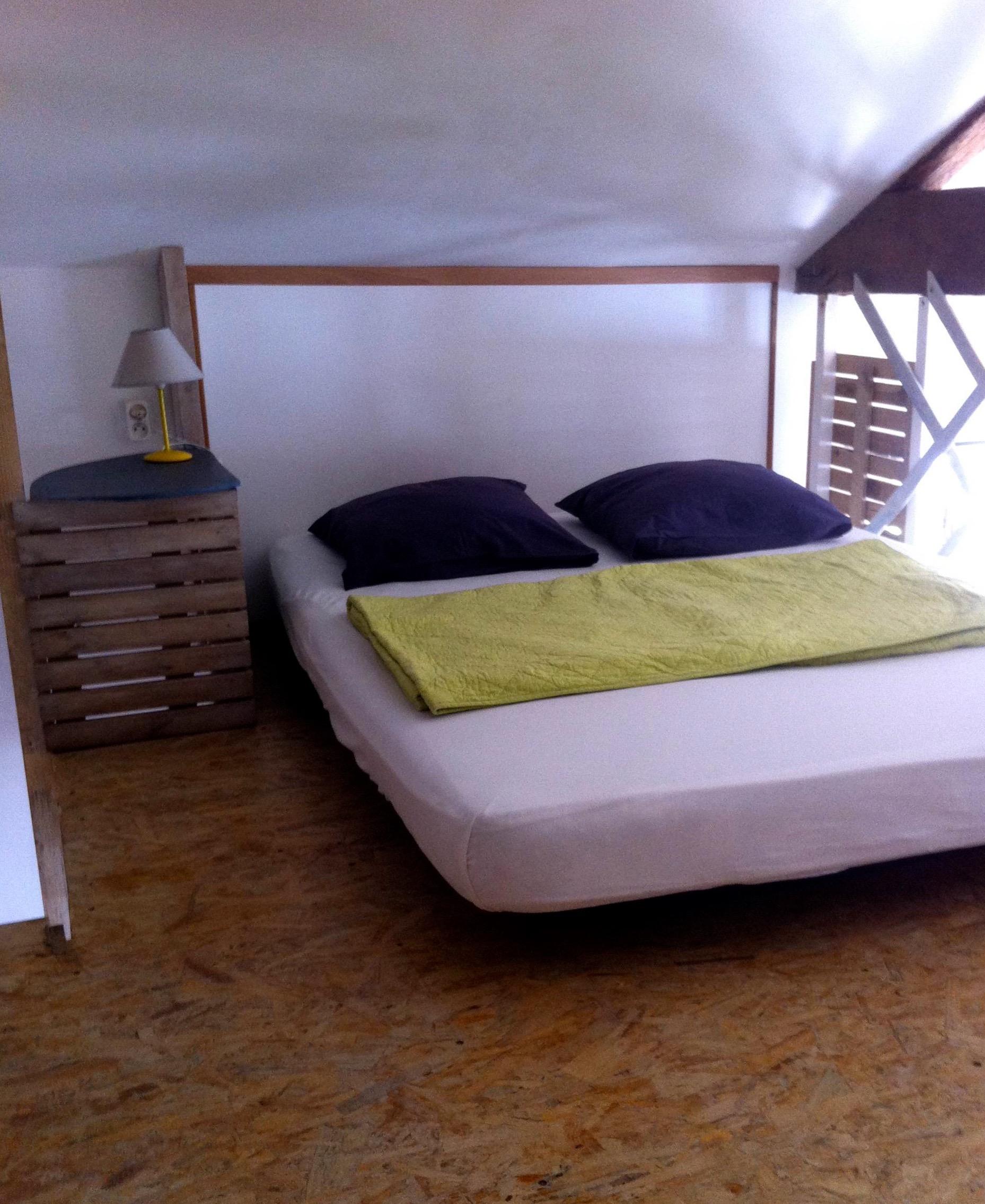 Mezzanine avec un lit double